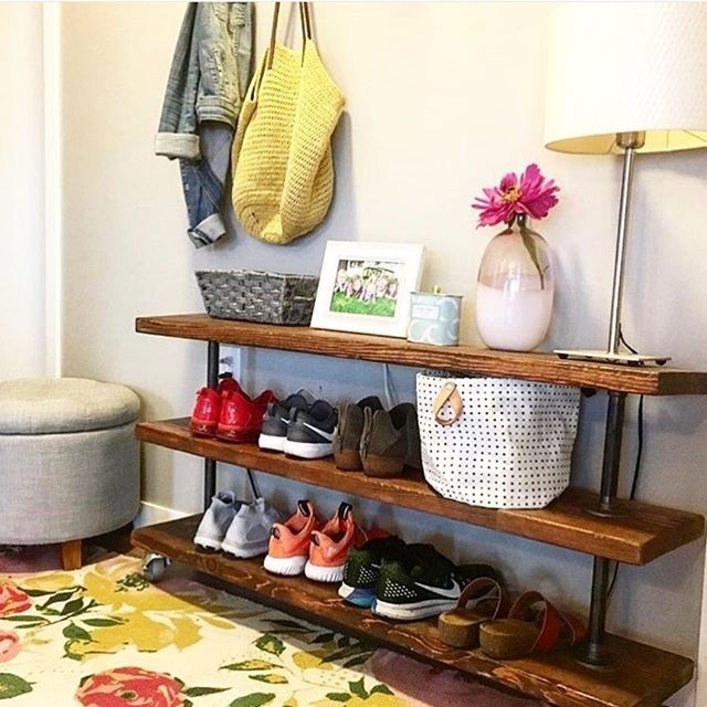 This is a really simple but effective shoe rack that @therehablife made! Take a look at their channel as they have lots of great tips and tutorials including how to make your very own shoe rack such as this one - it's perfect for your hallway!⠀⠀⠀⠀⠀⠀⠀⠀⠀ .⠀⠀⠀⠀⠀⠀⠀⠀⠀ .⠀⠀⠀⠀⠀⠀⠀⠀⠀ .⠀⠀⠀⠀⠀⠀⠀⠀⠀ .⠀⠀⠀⠀⠀⠀⠀⠀⠀ .⠀⠀⠀⠀⠀⠀⠀⠀⠀ .⠀⠀⠀⠀⠀⠀⠀⠀⠀ .⠀⠀⠀⠀⠀⠀⠀⠀⠀ .⠀⠀⠀⠀⠀⠀⠀⠀⠀ .⠀⠀⠀⠀⠀⠀⠀⠀⠀ . ⠀⠀⠀⠀⠀⠀⠀⠀⠀ #editlondon #homedecor #konmari #homedesign #lessismore #tidying #tidyinspiration #personalorganiser #personalorganizer #livewithless #simplify #storageideas #clutternomore #myinspiredhouse #declutter #declutterlikeamother #tidy #stayorganized #decluttering #houzz #howyouhome #loveyourhabitat #decluttermylife #thelifechanginghabitoftidyingup #hygge #tidyhome #tidybedroom #unclutter #editlondonloves