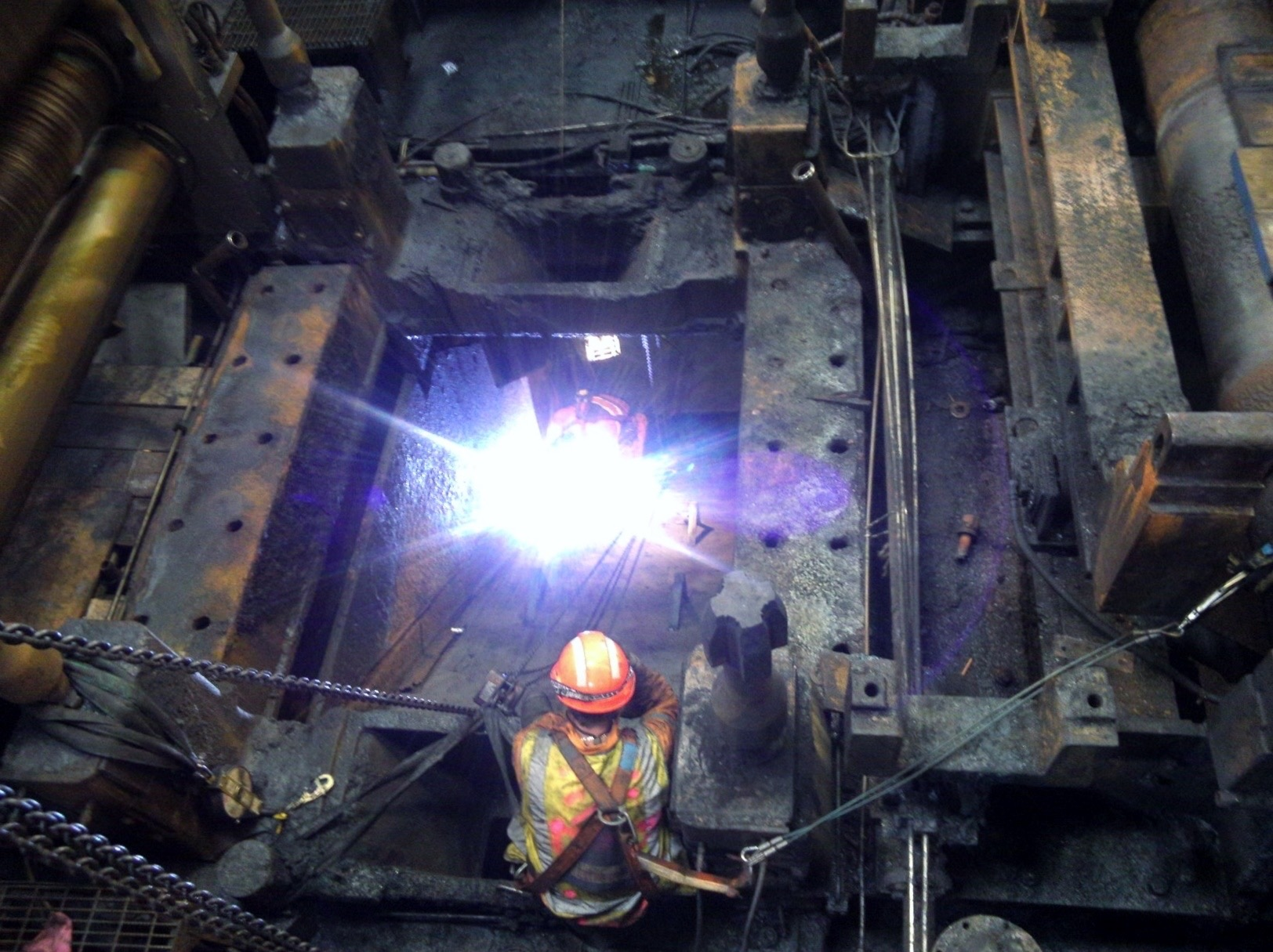 HSM Chute Repairs 12.11.14 - Stoj; Zimmo & Daniel L (3).jpg