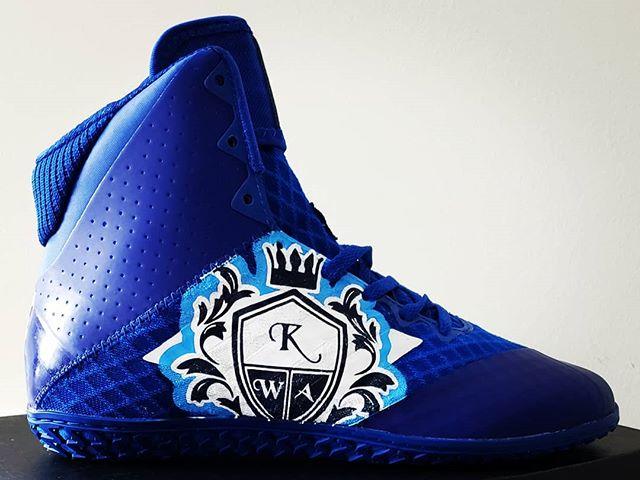Some fresh footwear courtesy of @dodolovesthekids !  #wrestlingshoes #customshoes #adidas #adidaswrestling #wrestling #vawrestling #virginiawrestling #arlington #arlingtonva #arlingtonwrestling #kwa #knightswrestlingacademy