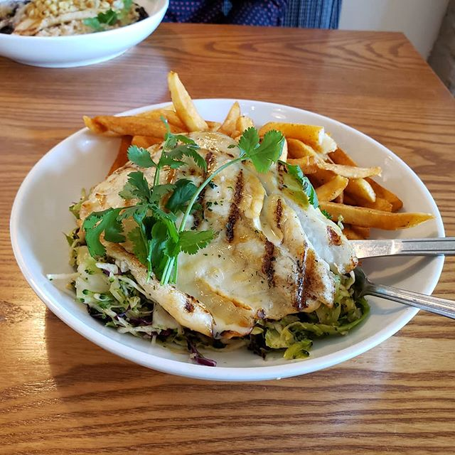 Grilled Sea Bass at Pier 76 Fish Grill in El Segundo  Fresh and good quality fish... also yummy!  Alexi.xyz verdict: always come back here  #Food #FoodInLA  #AlexiXyz  #AlexiXyzFood  #Seabass #Seafood #GrilledFish #pier76fishgrill