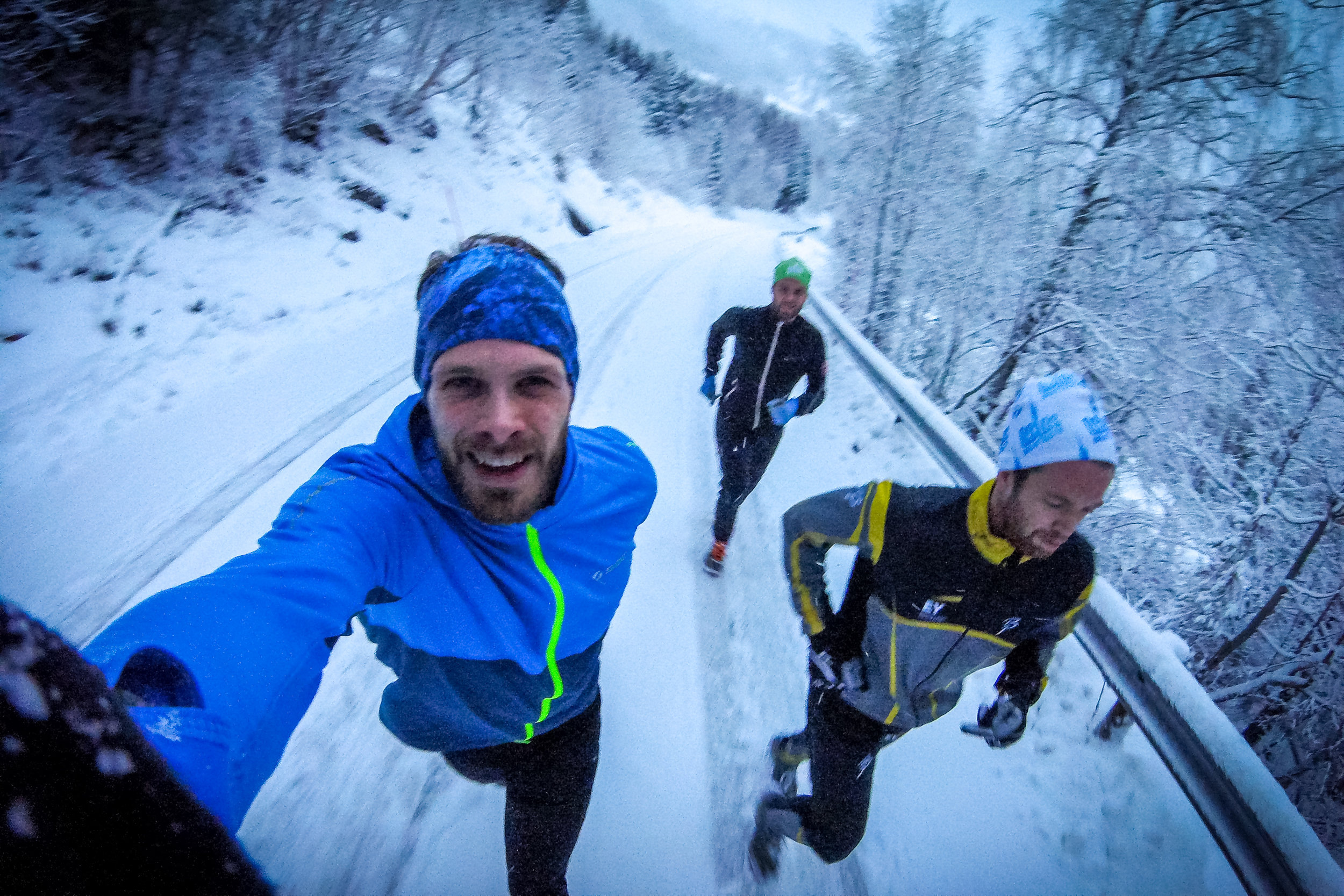 E asy run with my mates from home was done yesterday. Who can say no to a run in the snow when a recovery day was planned? I can't... 😜 GoPro Hero Session 4