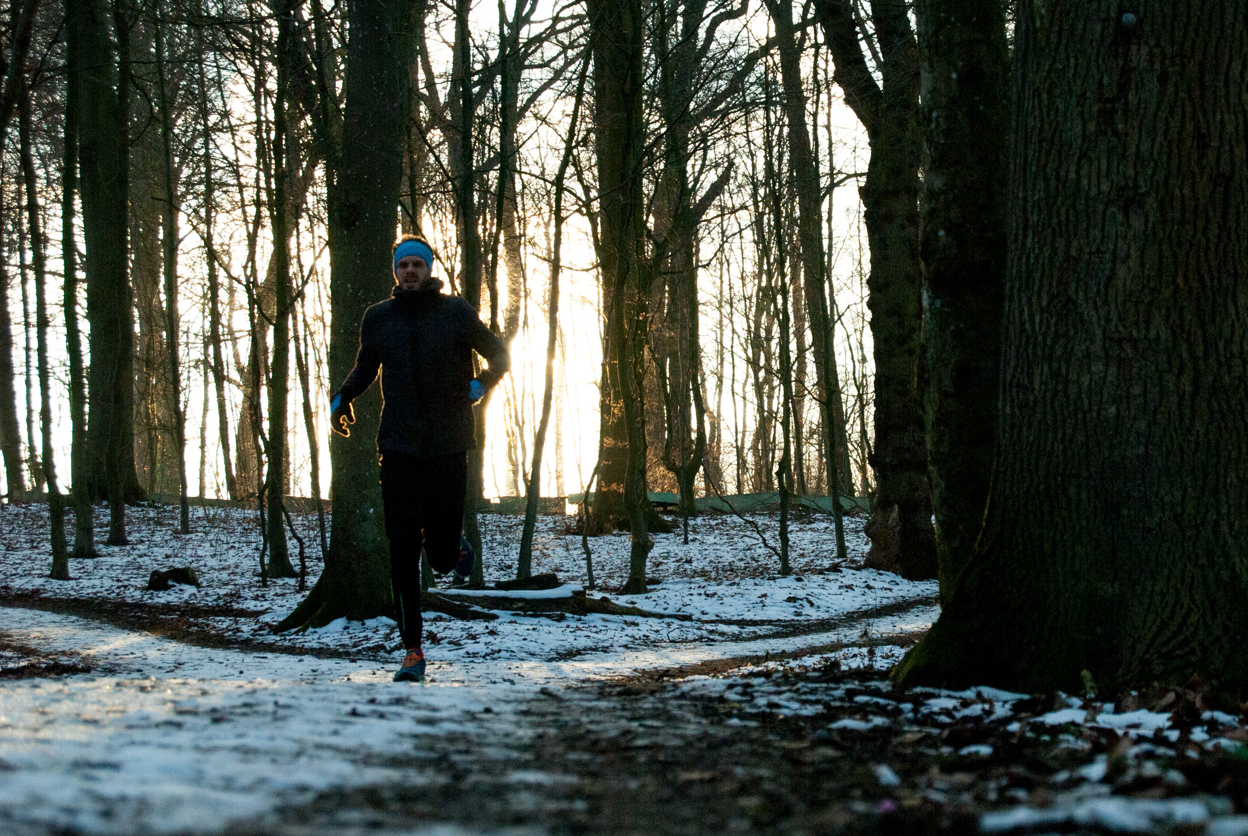 During the snow period in February the trail was covered in slippery snow. But running during sunsets are always a nice experience anyways, so I just had to suck it up and get out there in order to experience nature's beauty.