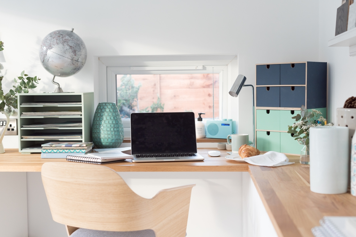 Project working from home - Work space and organisation area