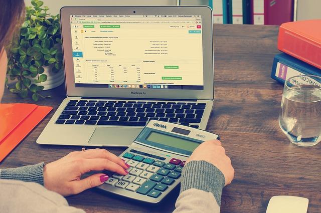bookkeeping-615384_640.jpg