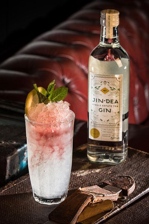 Gin-cocktail-jindea-gin-bramble.jpg