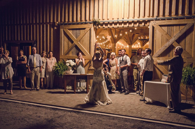 Bride_throwing_bouquet_web.jpg