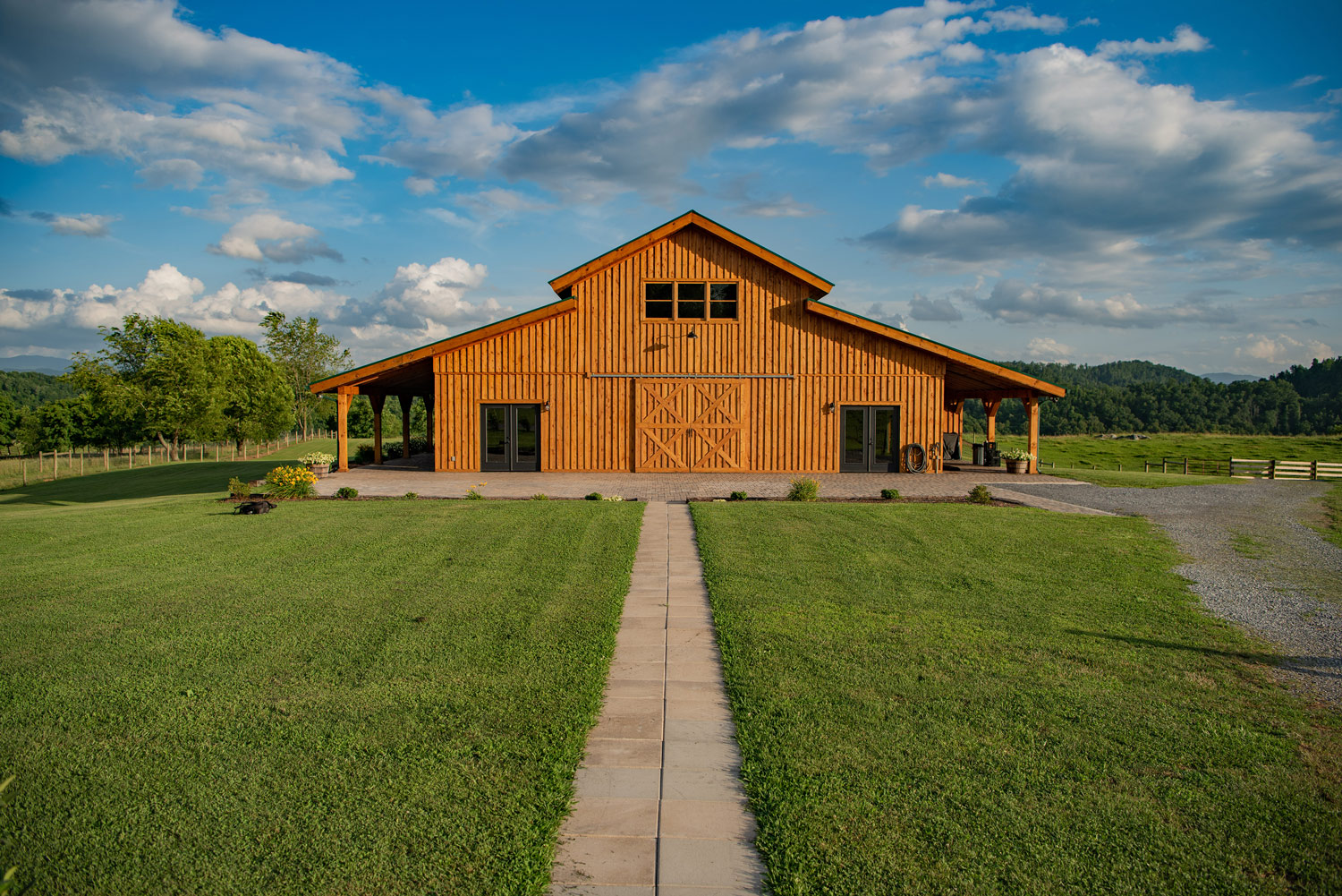 Middle_Fork_Barn-walkway-to-patio-full-view_web.jpg