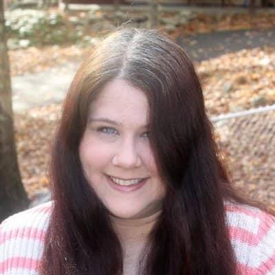 Nicole-E-mum-blogger-min.jpg