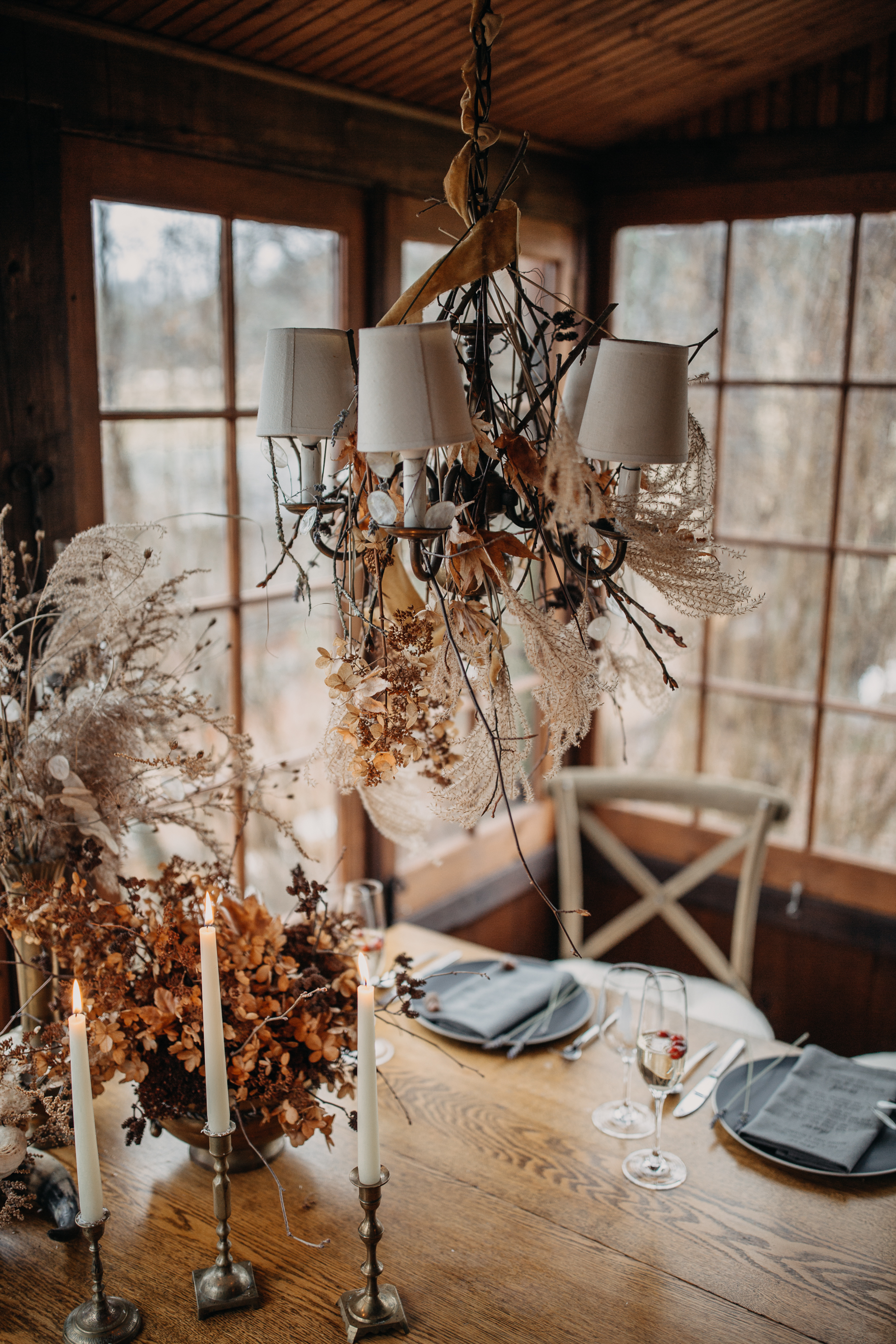 Winter table setting for the B & B fashionable Elopement in January - Pearl Weddings & Events
