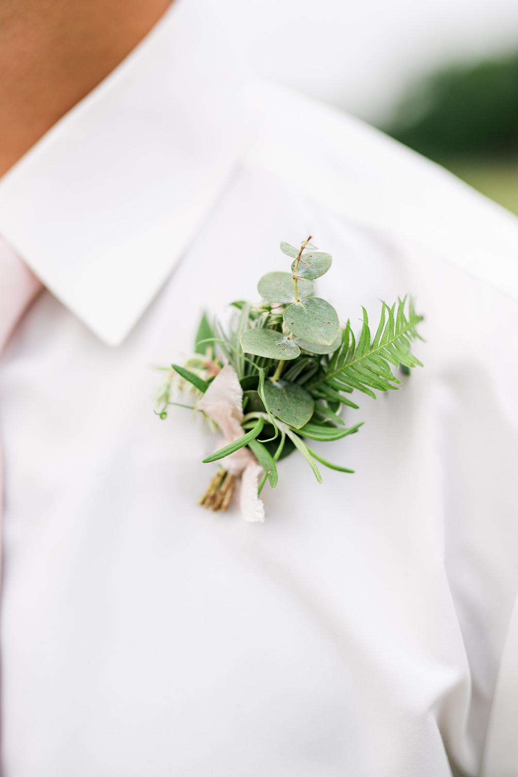 grooms greenery boutinnier  - Pearl Weddings & Events