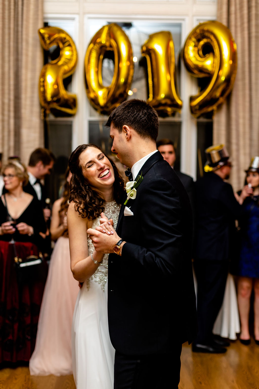 First dance photos at a unique historic wedding venue in connecticut - Pearl Weddings & Events