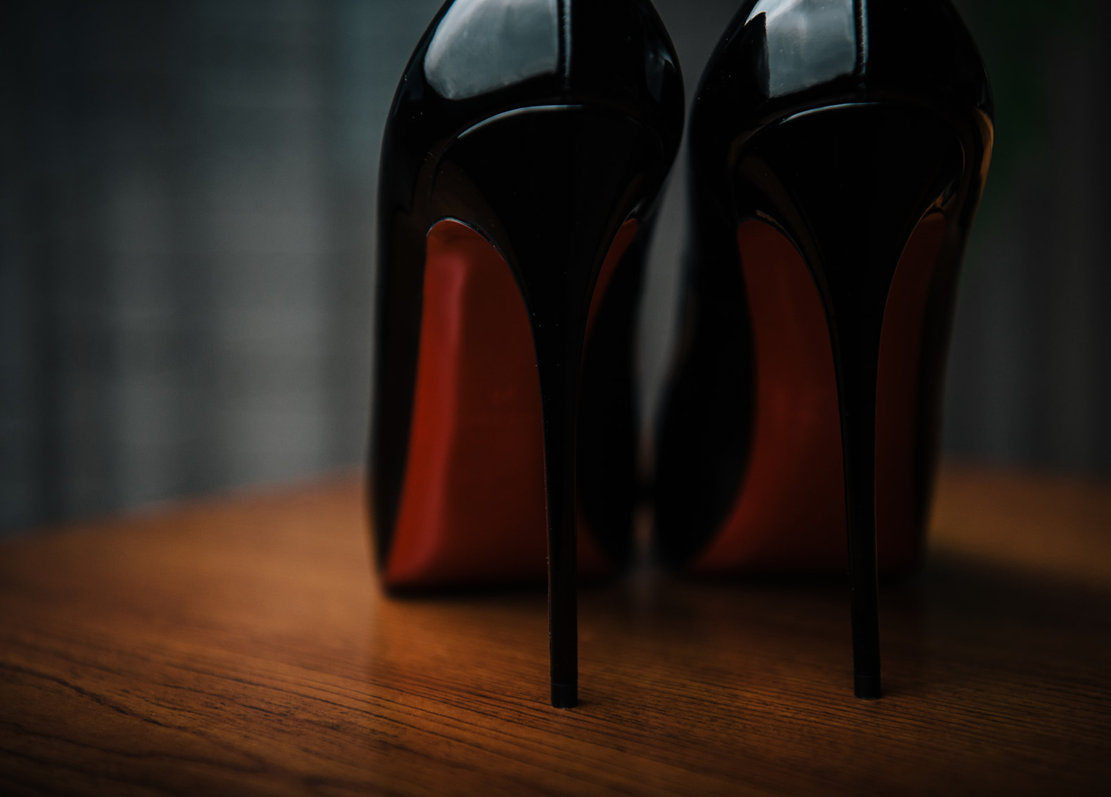 Red sole LouBoutin shoes for the bride - Pearl Weddings & Events
