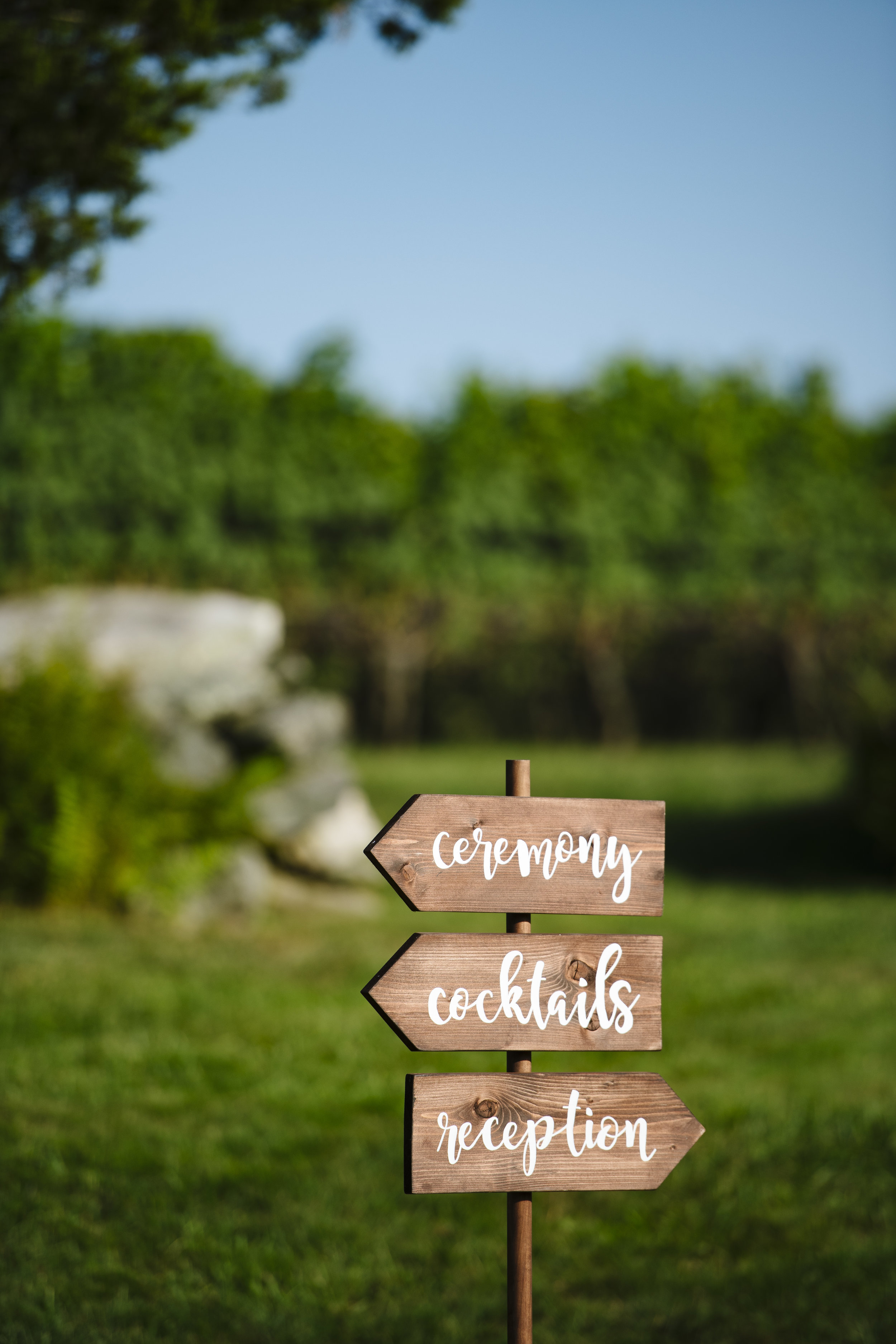 wedding direction signs at jonathan edwards winery - Pearl Weddings & Events