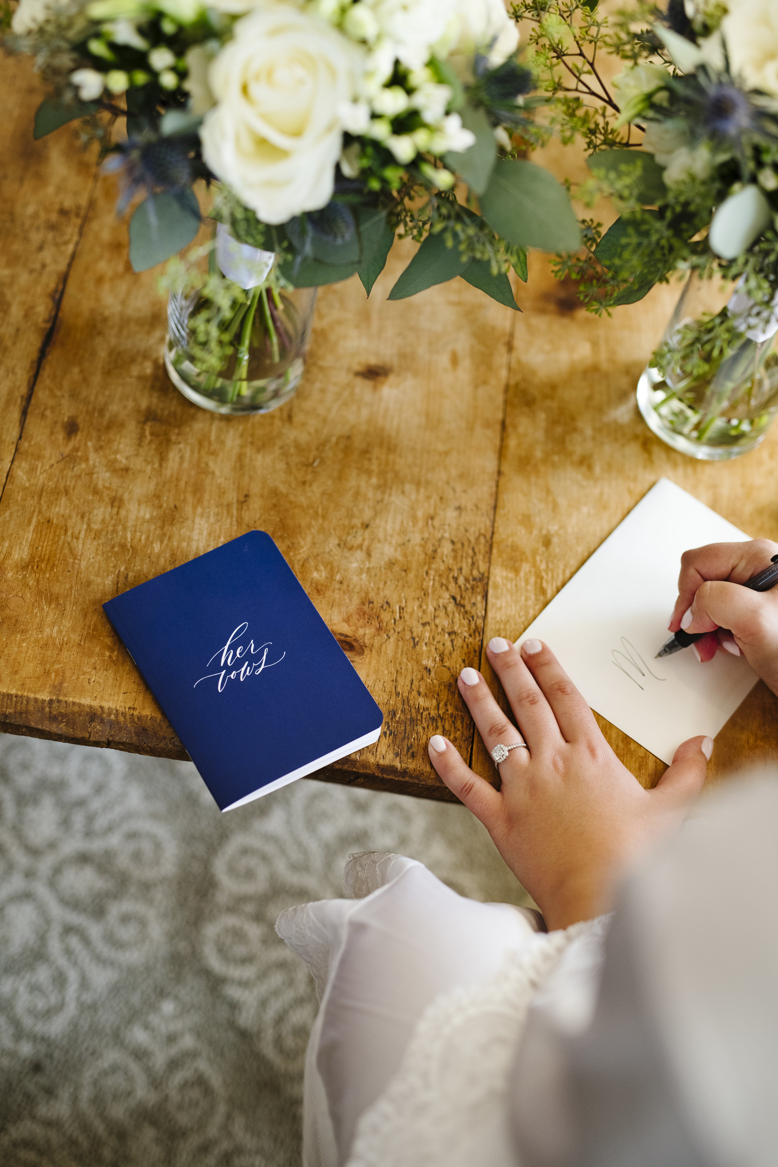 Navy blue and white classic elegant wedding at a vineyard in connecticut - Pearl Weddings & Events