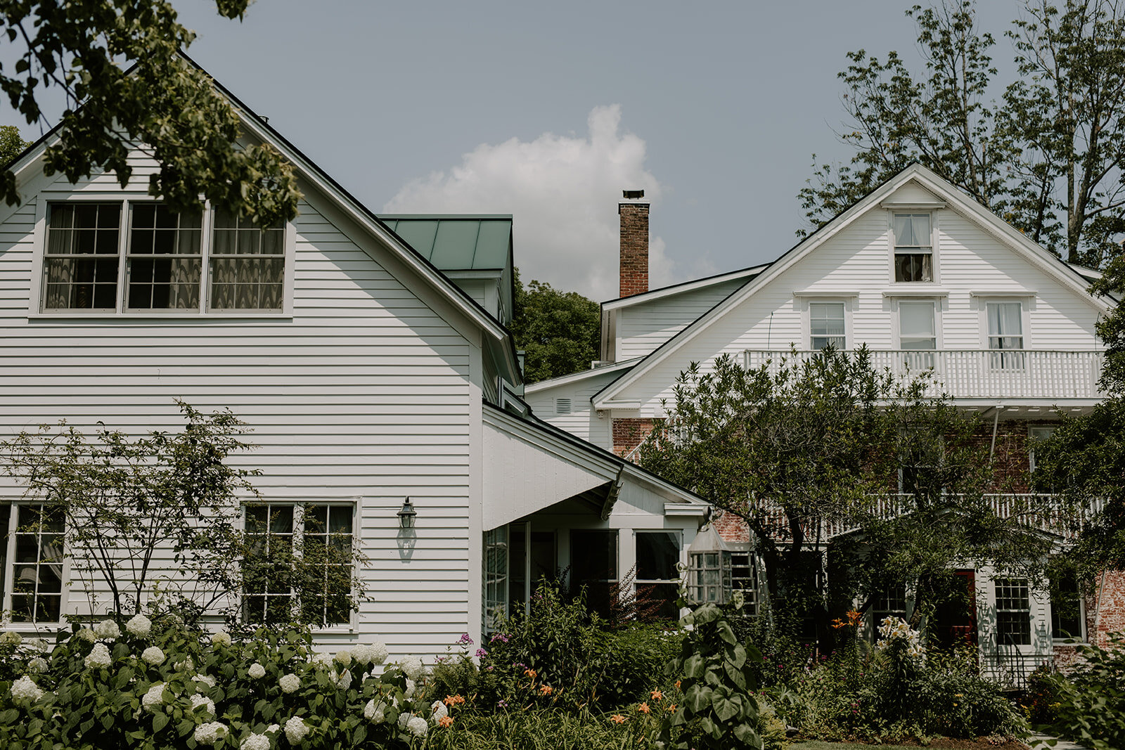 Windham Hill Inn Wedding in Townshed, Vermont - Pearl Weddings & Events