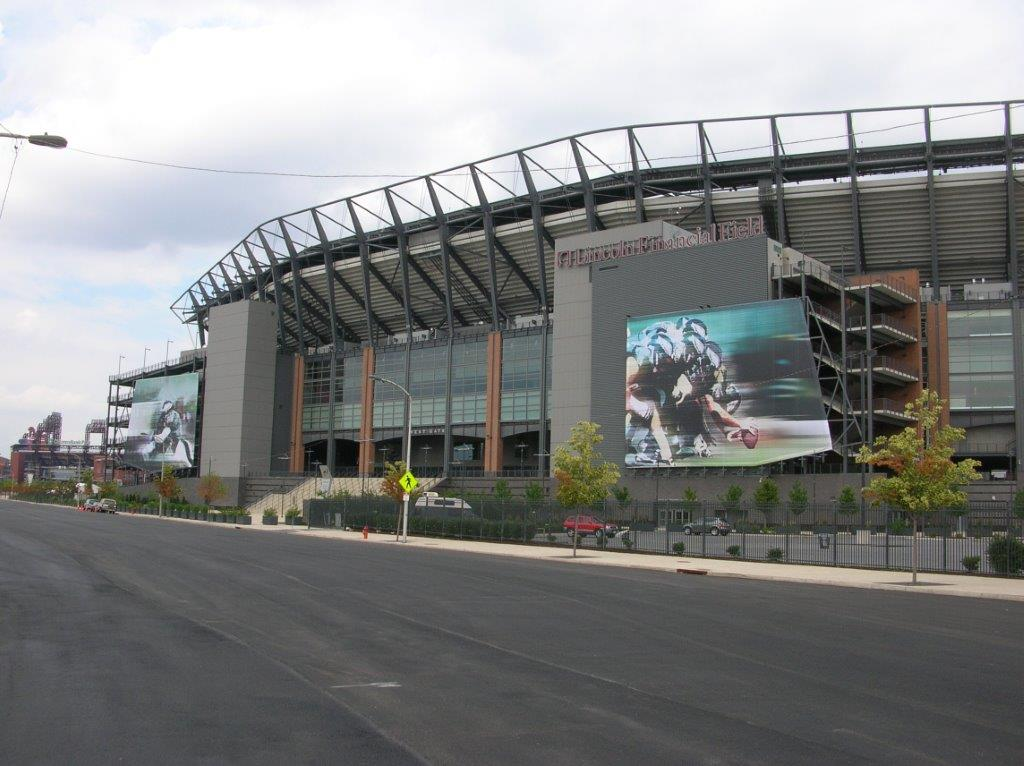 Lincoln Financial Field sign install