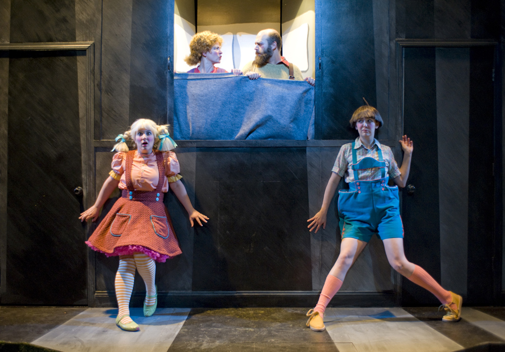 Hansel Und Gretel, The Building Stage