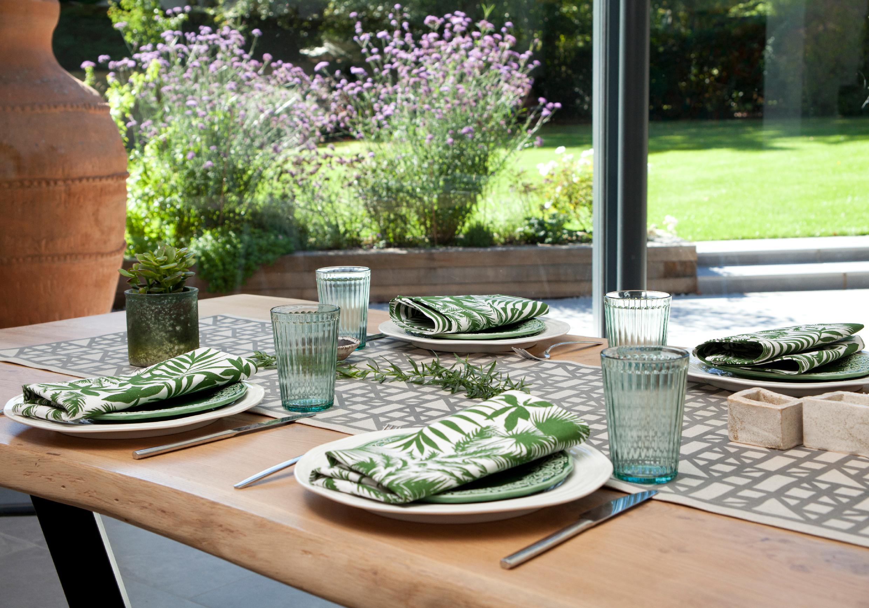 WEBSITE LOOKBOOK TABLE SETTINF.jpg