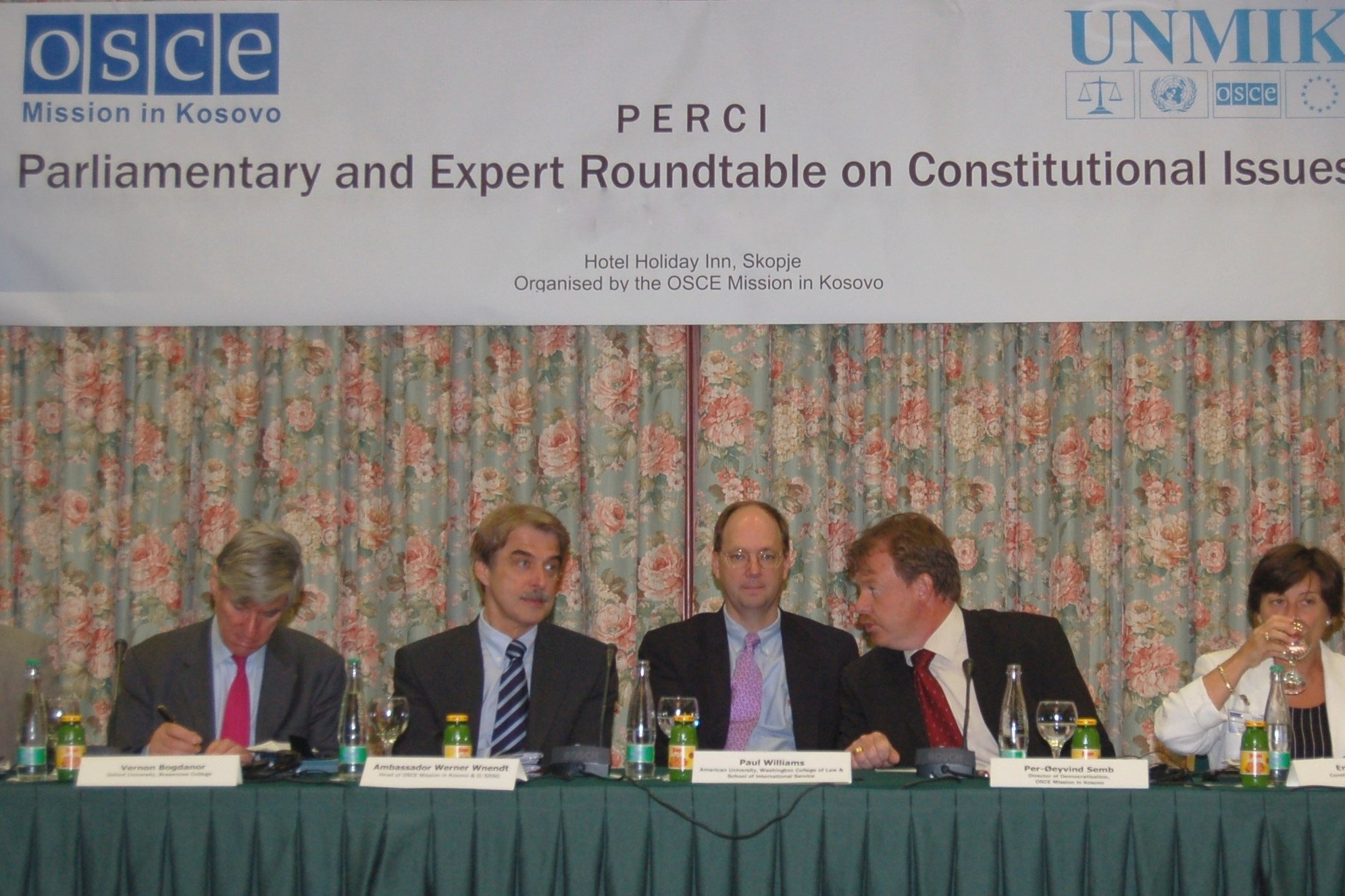 02 Ambassador and Experts(1).JPG