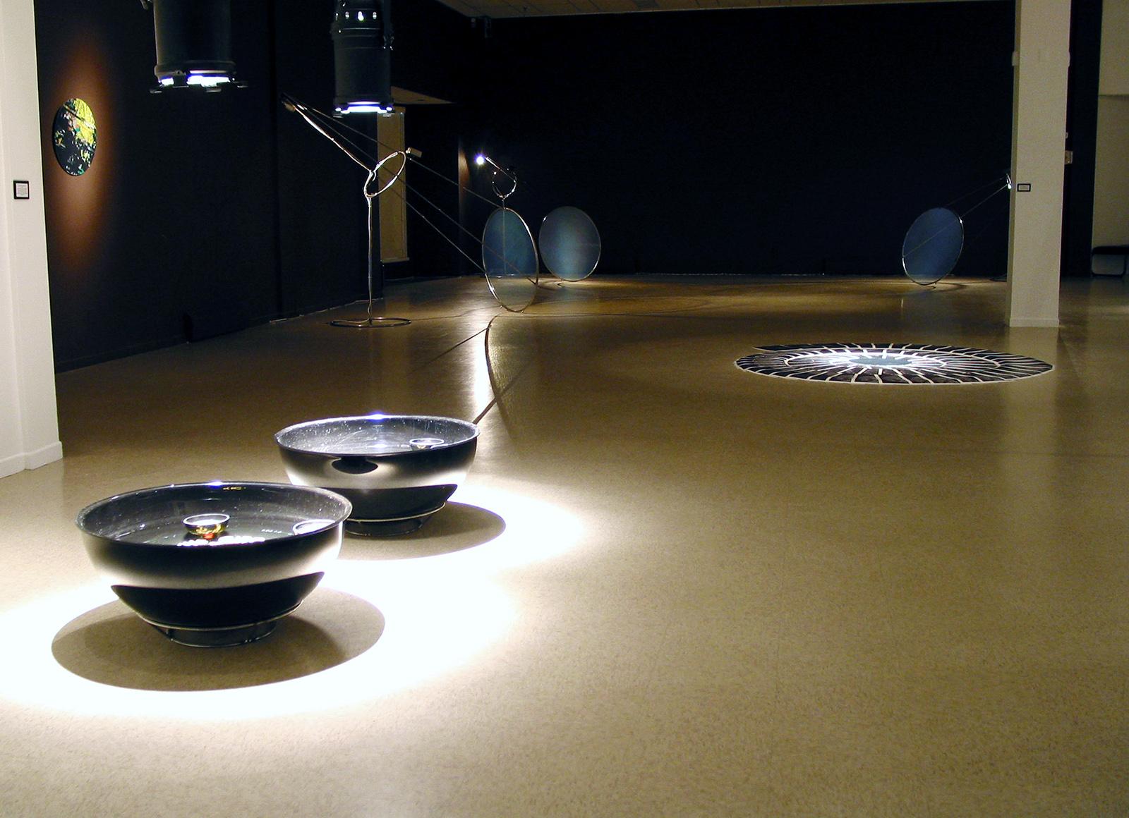 """""""Un monde nouveau"""", 2001"""