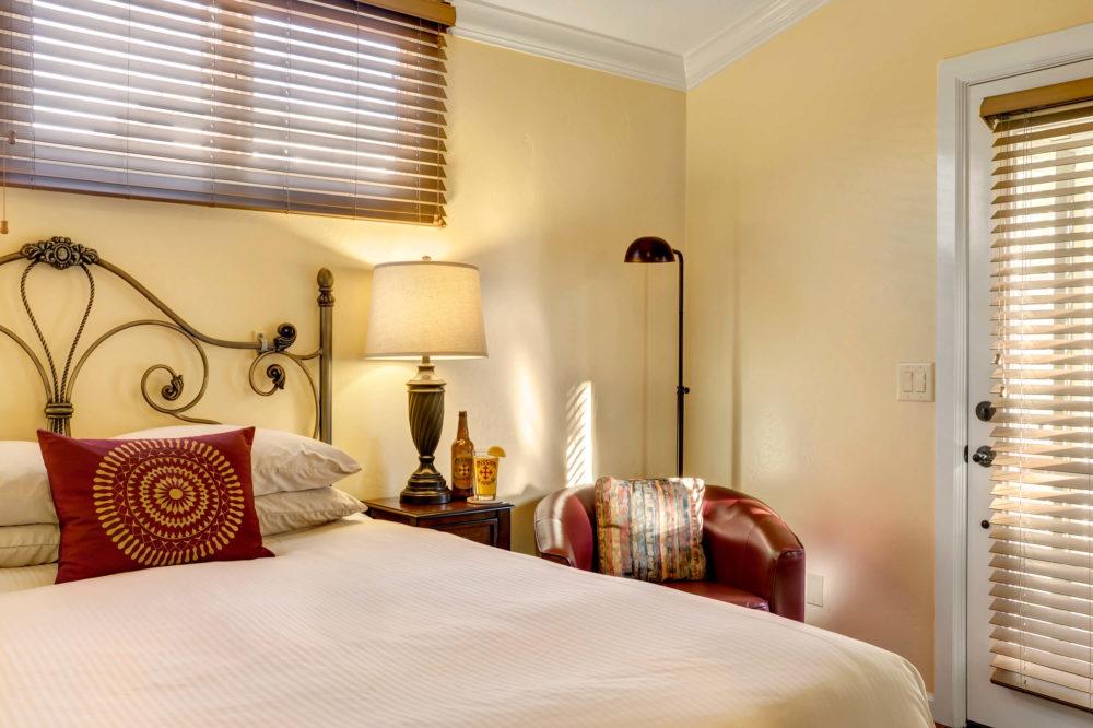 Coronado-Room-1-e1497454366758.jpg