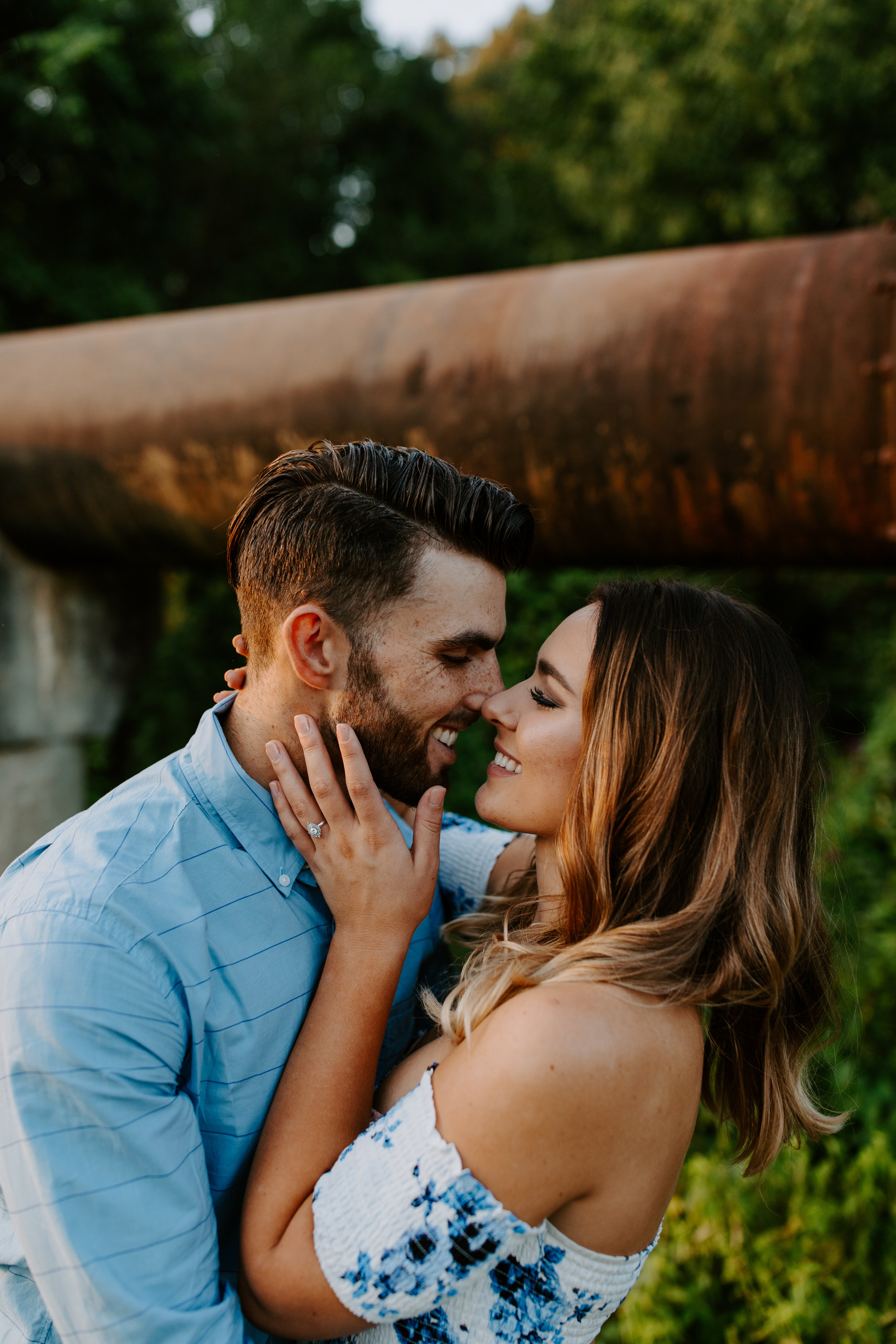 what-to-wear-for-engagement-pictures
