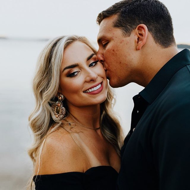I mean 🔥 I'm freaking obsessed with these two! I couldn't choose just one picture from their engagement session because I love. them. all. Feeling so blessed to get to work with such beautiful, fun & joyful people in this season!