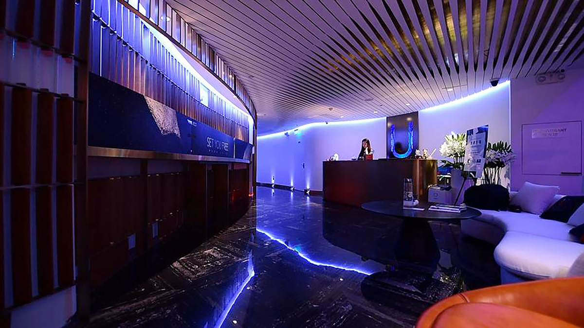 Hotel-Lobby.jpg