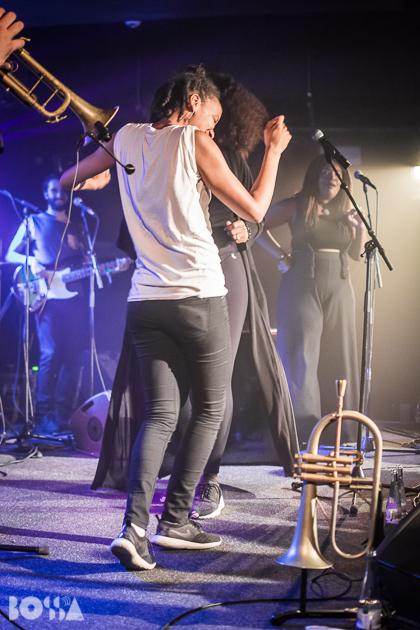 Liniker + Grace Kelly im Bi nu für facebook-33.jpg