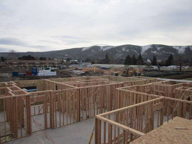 Prossesr Senior main floor framing.jpg