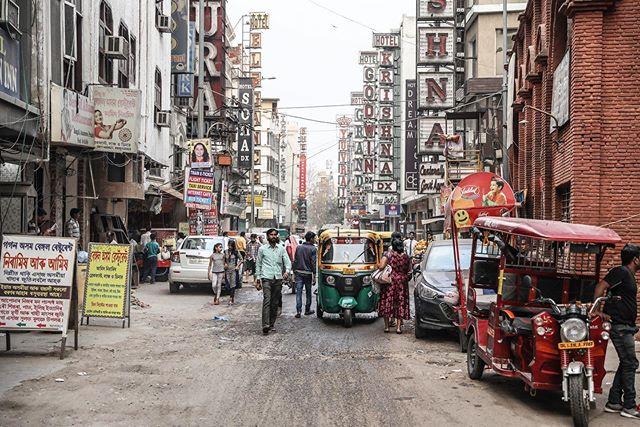 delhi, india // . . . #delhi #india #documentary #travel #photography #womenphotograph #photojournalist #femalephotographer #canon #ngtuk #womenphotographers #canonphotography #natgeocreative #everydayindia #spi_collective #streetphotography #womenstreetphotographers #lensculture #travelphotography #yourshotphotographer