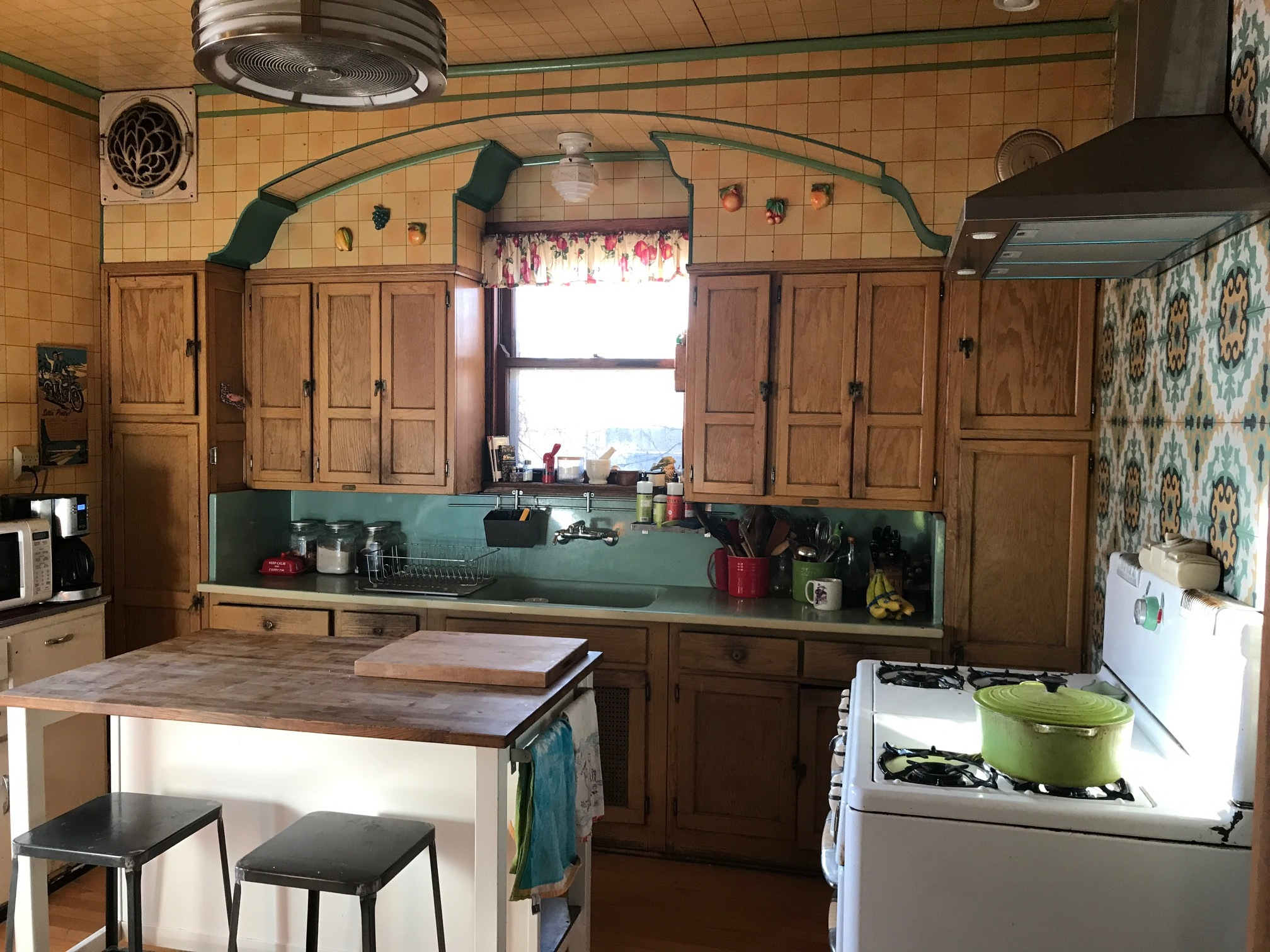 Sellers brand built-in cabinets in a stunning original Bungalow kitchen