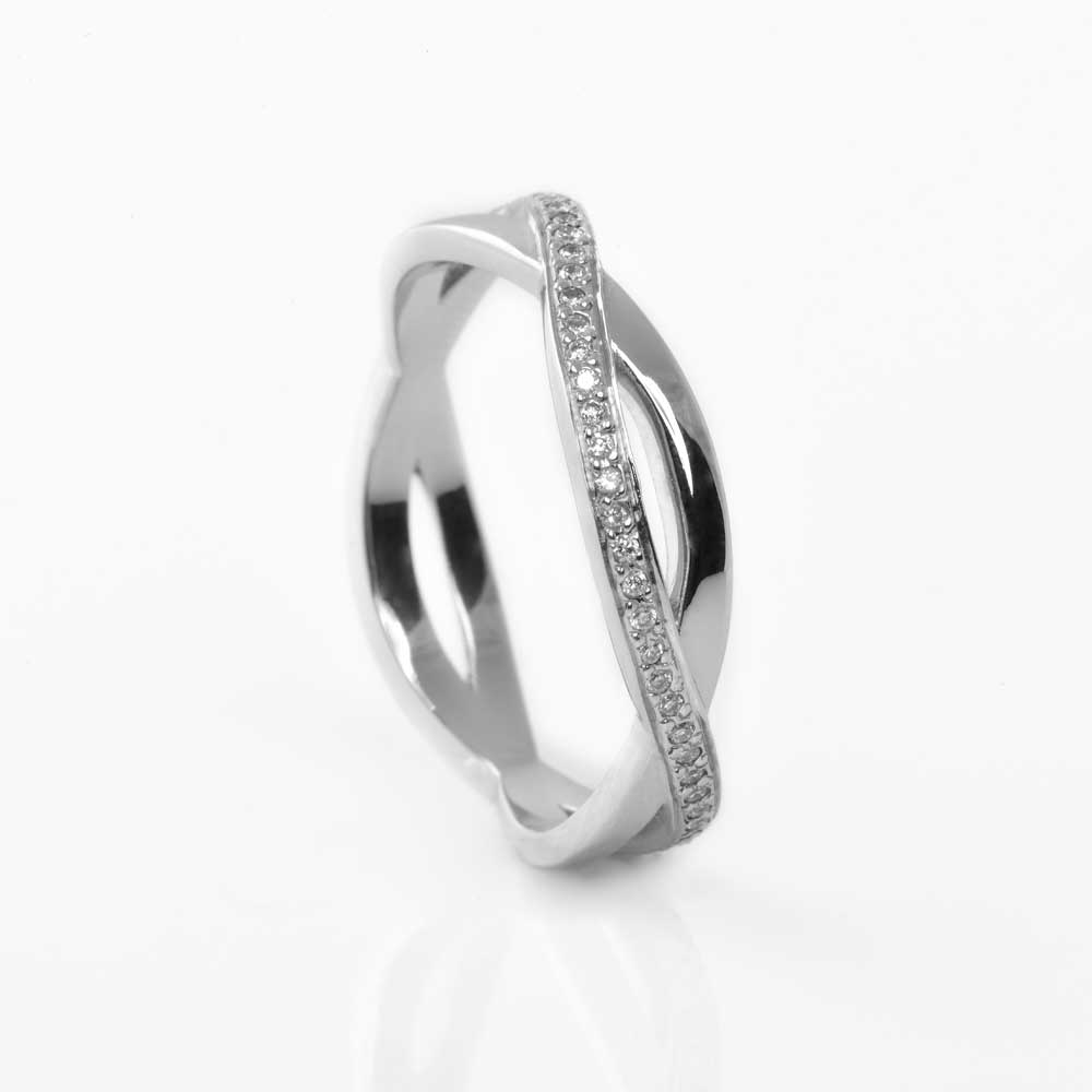 James Veale Bespoke wedding rings in Cambridge