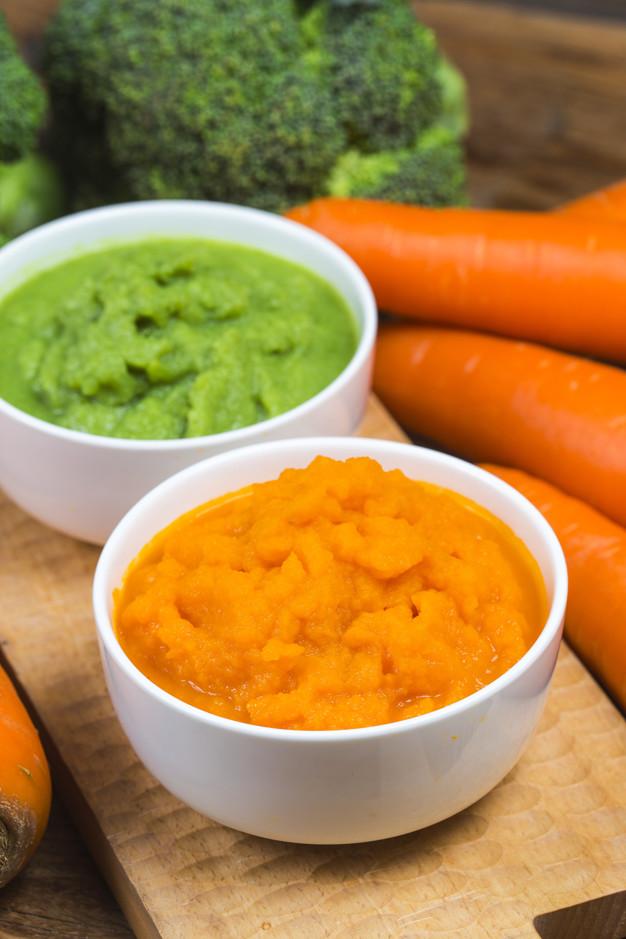 vegetable-puree-carrots-pureed-broccoli-pureed_1205-4457.jpg