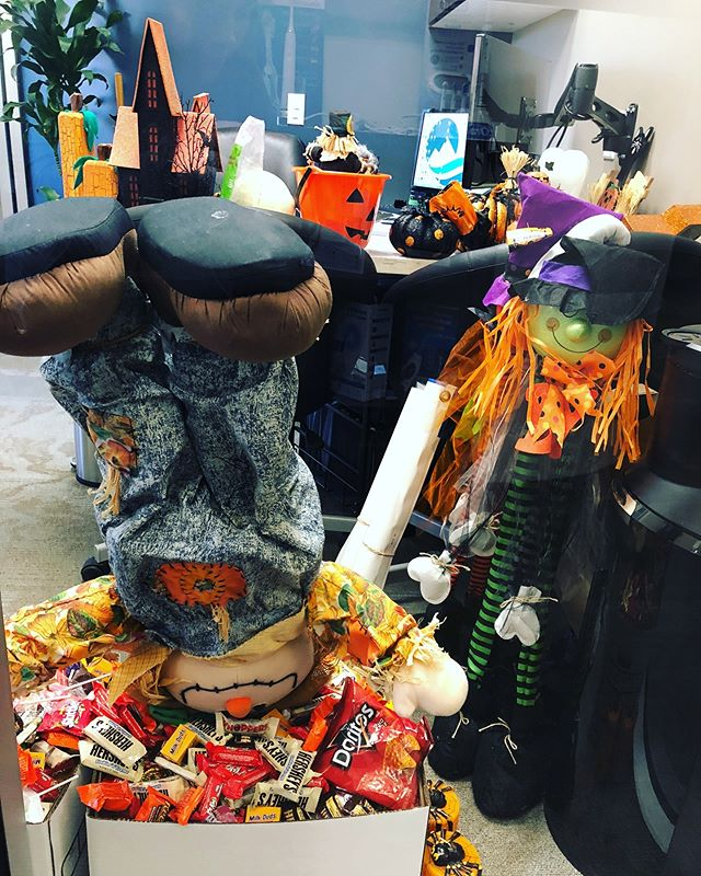 🎃Halloween is officially over at Tamal Vista Dental!!! Another great year partnering up with @opgratitude . Thanks to all of you who came and donated! All this candy and some cards will be sent to our troops! You can check where all this goes to. #operationgratitude 🇺🇸🇺🇸 Copy the link and check them out!  https://www.operationgratitude.com/express-your-thanks/halloween-candy/
