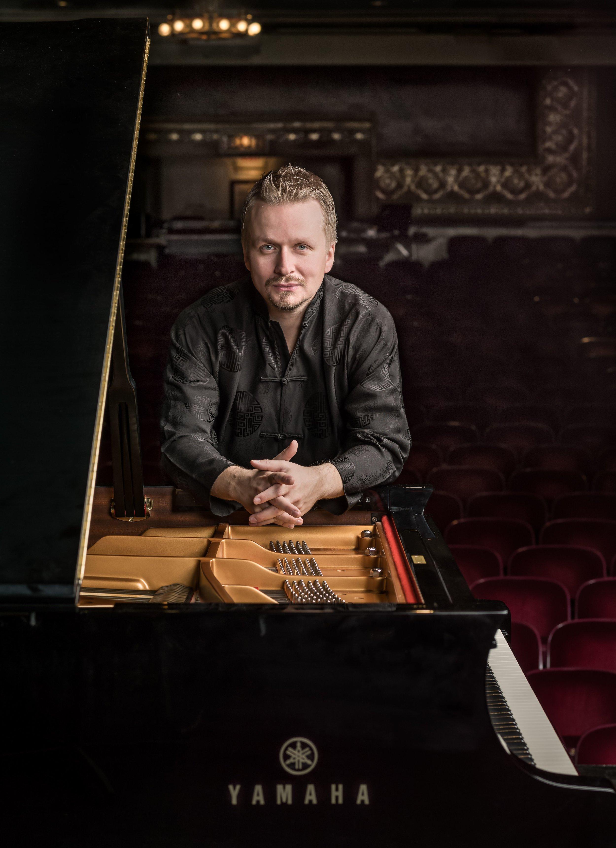 Ilya Yakushev piano copy.jpg