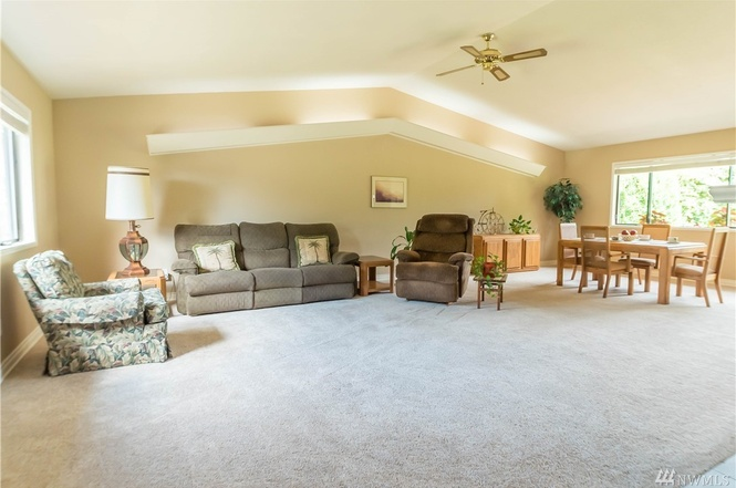 Spacious vaulted ceiling living and dining.