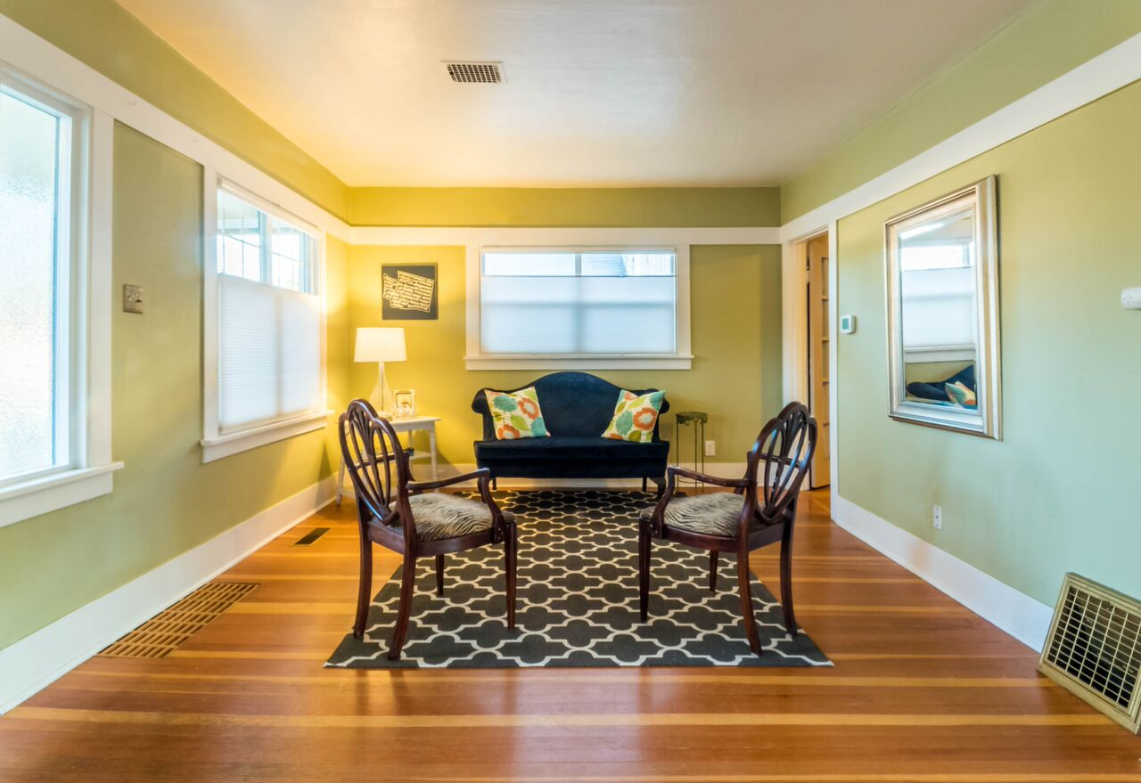 Winter 2017 Listing: Dining Room