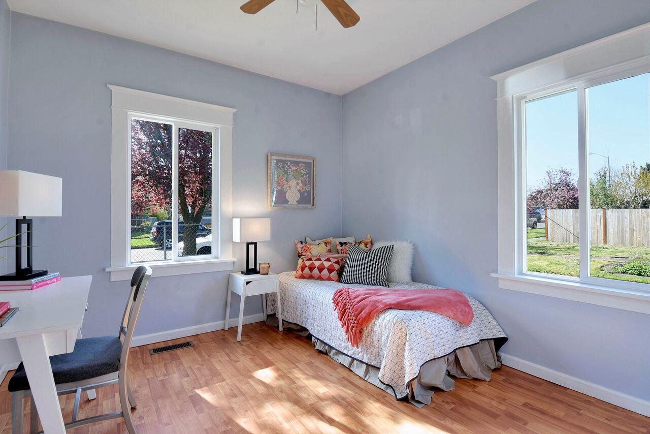 16 - Guest bedroom_preview.jpeg