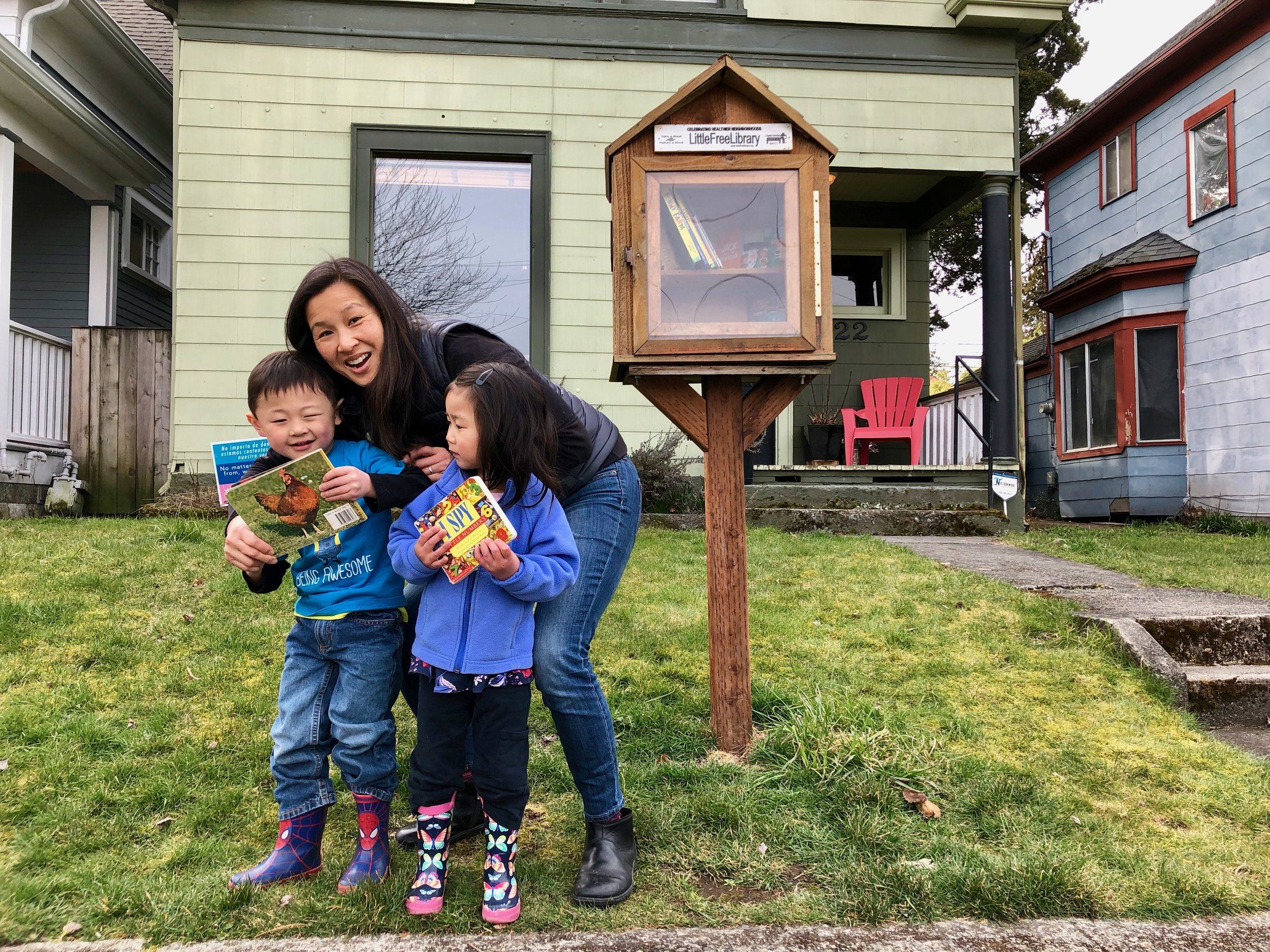 Meet Leigh Wong, proud Hilltop Tacoma resident and steward - along with her husband John Stroeh and their 2 kiddos - of the Cushman Branch Little Free Library. Leigh and the kids showed me some of the good books ready for readers in their neighborhood. Let's add to the stash!