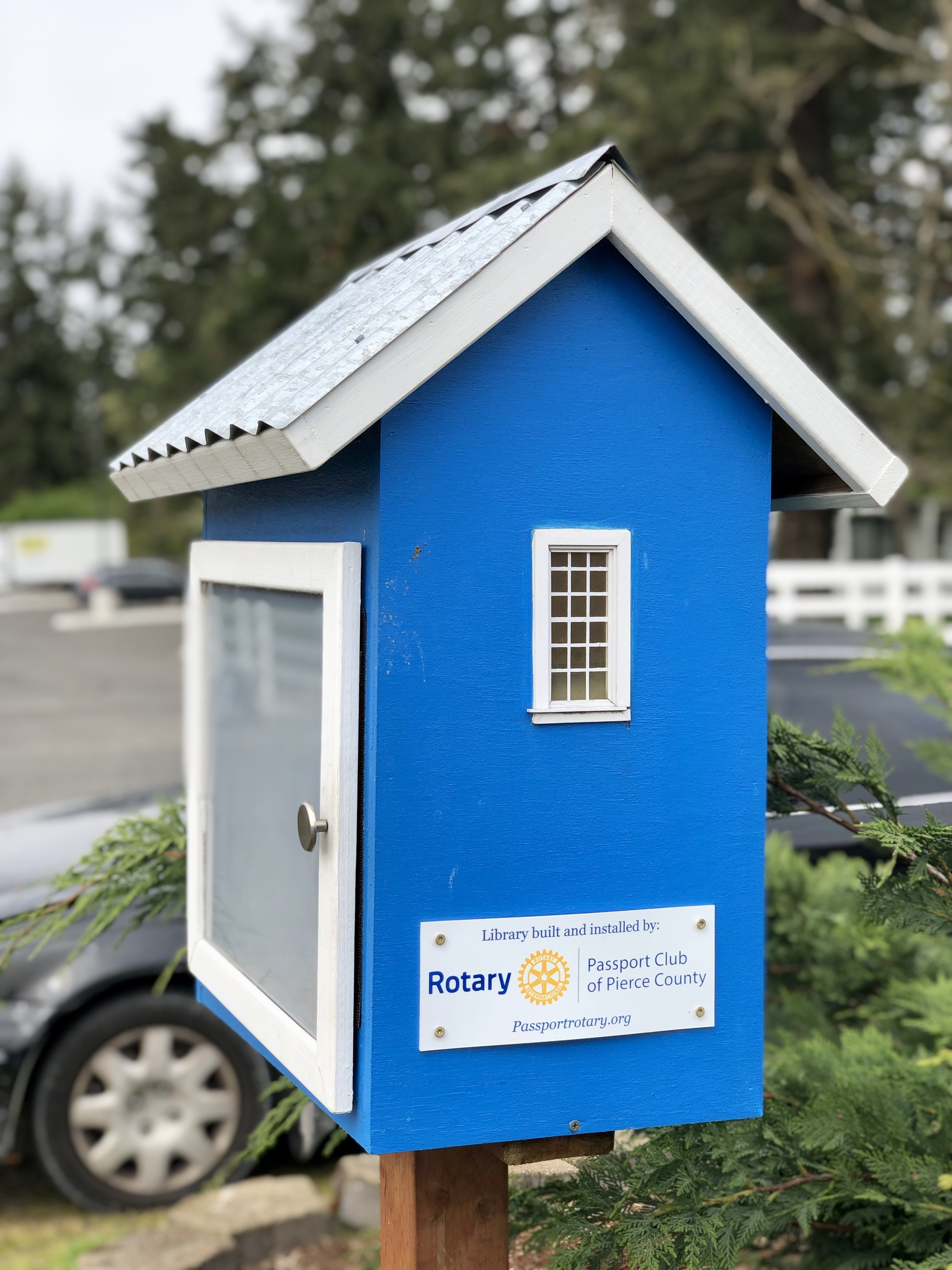 Wow!  Rotary Passport Club of Pierce County  created this library for the Emergency Food Network. How good to see community groups supporting each other.