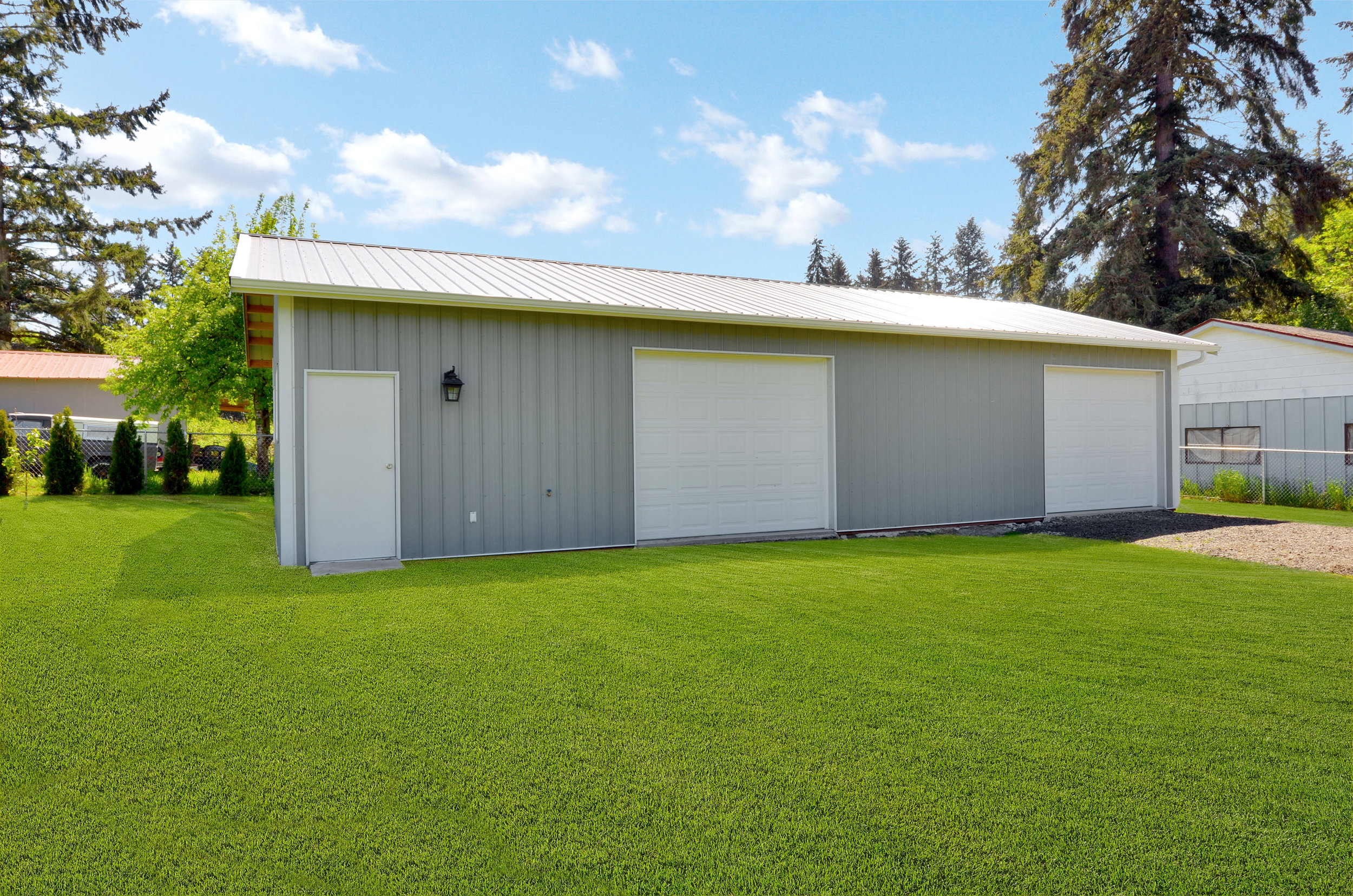 This new 24 x 48 workshop was built in 2017/2018. As you can see, there are 2 bay doors, so plenty of potential for parking vehicles, boats, or other equipment as well as lots of workshop space.