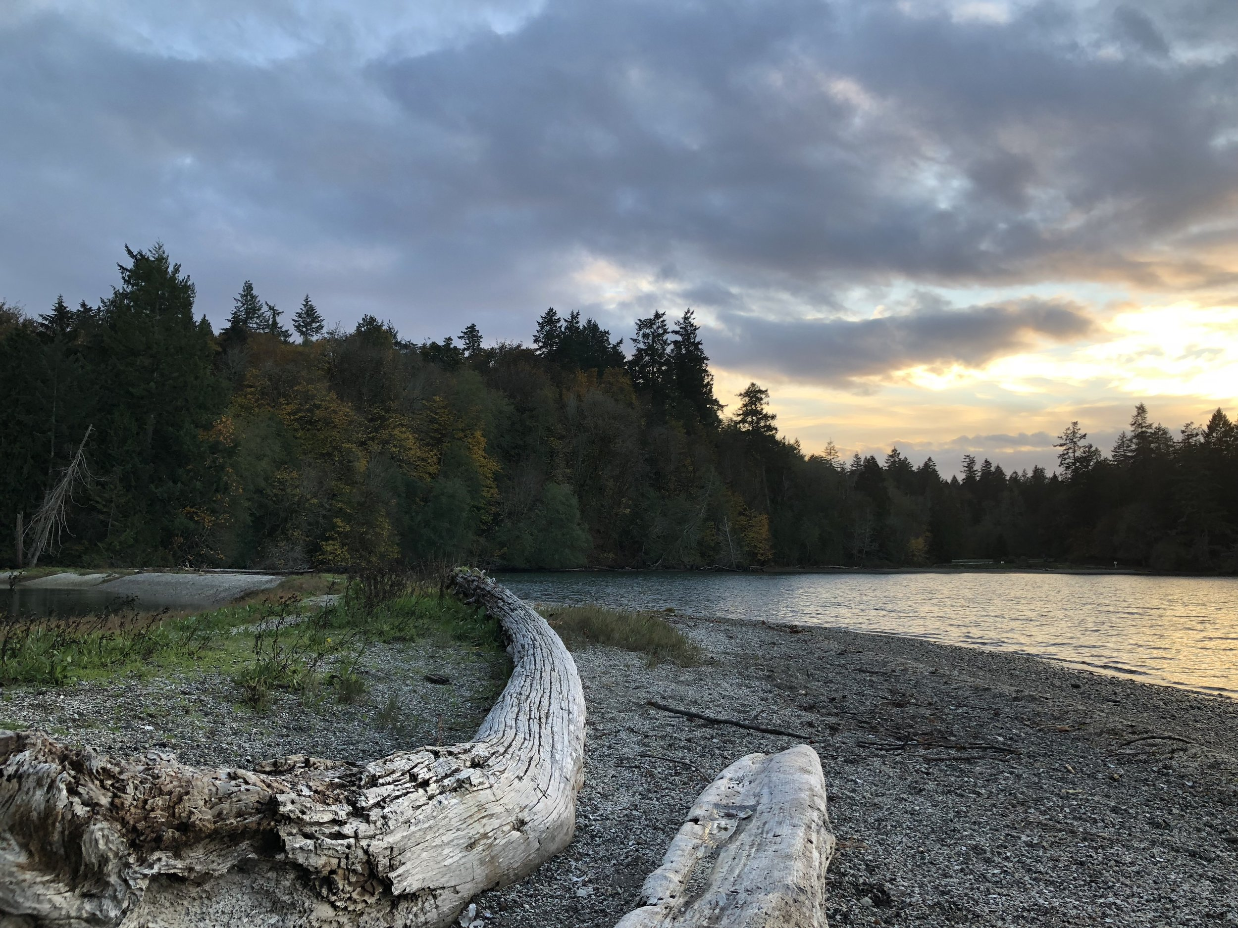 Penrose Point State Park is 10 minutes away with wooded trails, beaches, camping, and picnic grounds.