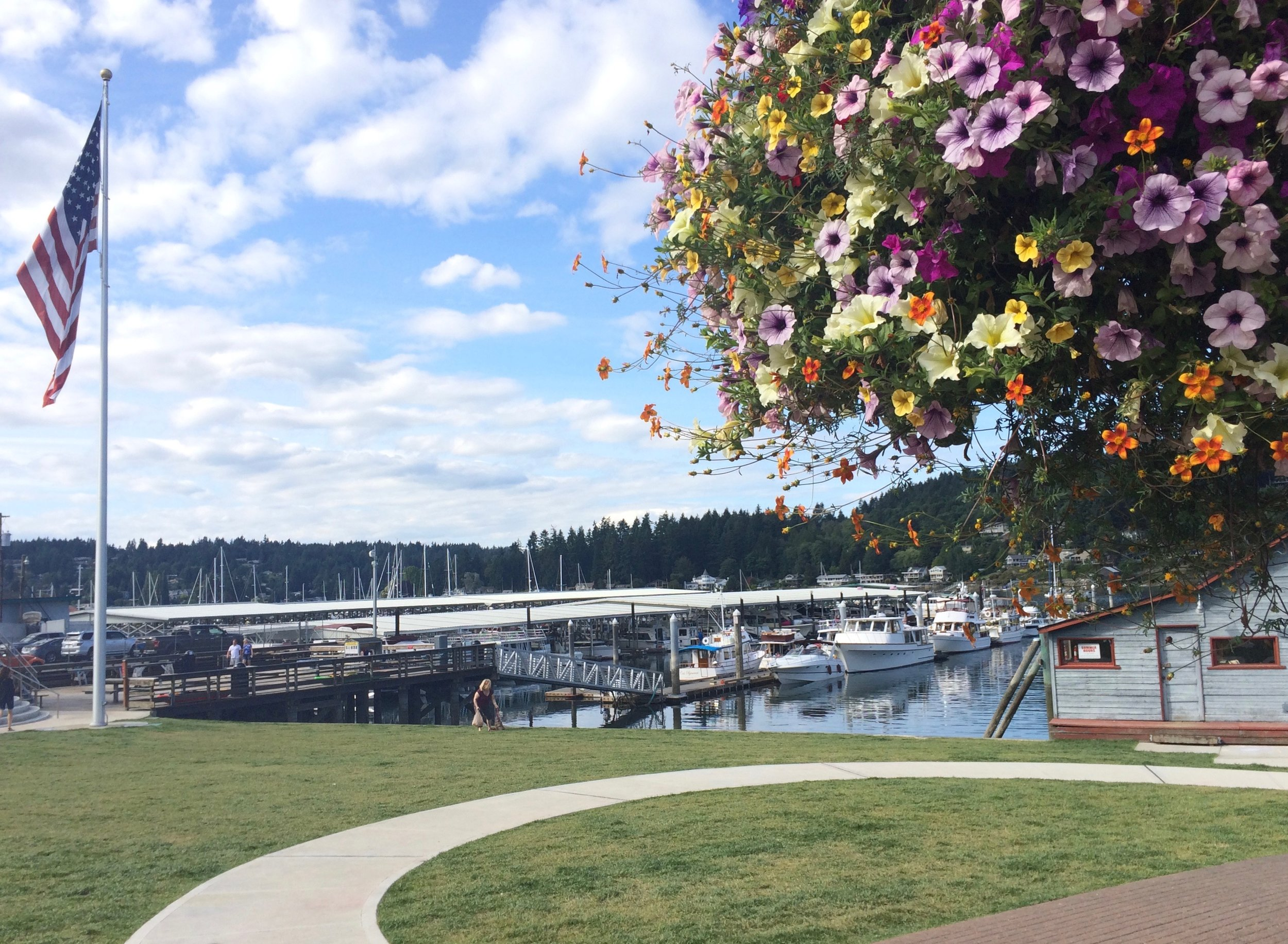 Nearby Gig Harbor offers lots of restaurants, pubs, and places to stock up on groceries.