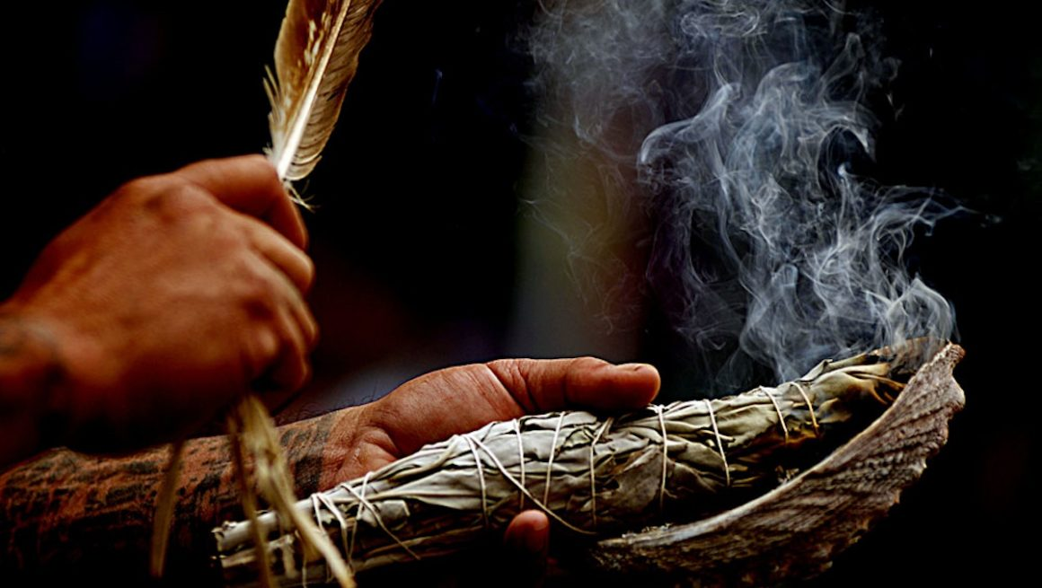 The-Art-of-Smudging-1160x655.jpg