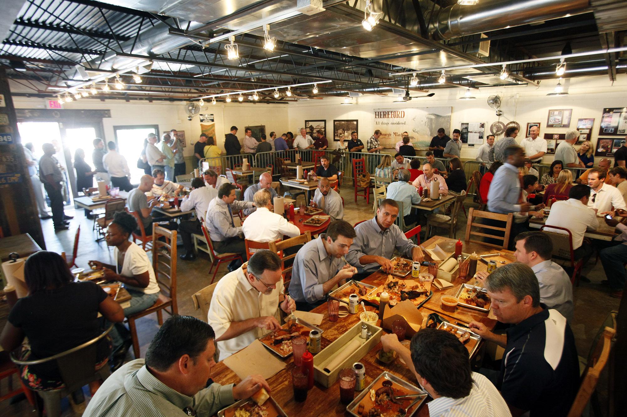 crowded-restaurant.jpg