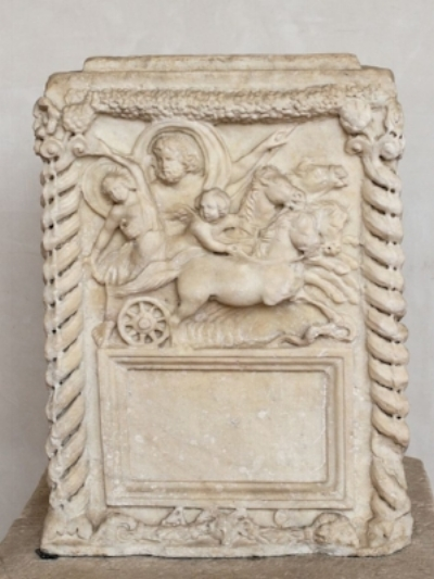 Pluto   velificans  , with a  Cupid  attending his abduction of  Proserpina  in a  four-horse chariot  (Roman cinerary altar,  Antonine Era , 2nd century)