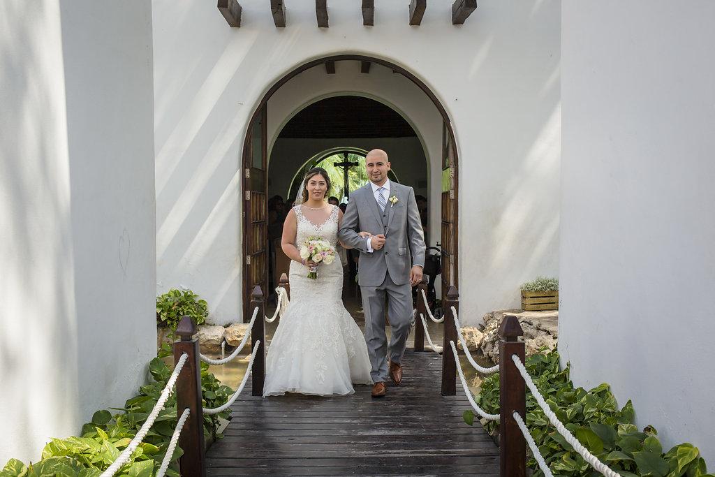 yesica-jose-beach-wedding-Villa-La-Joya--Playa-del-carmen-01--11.jpg