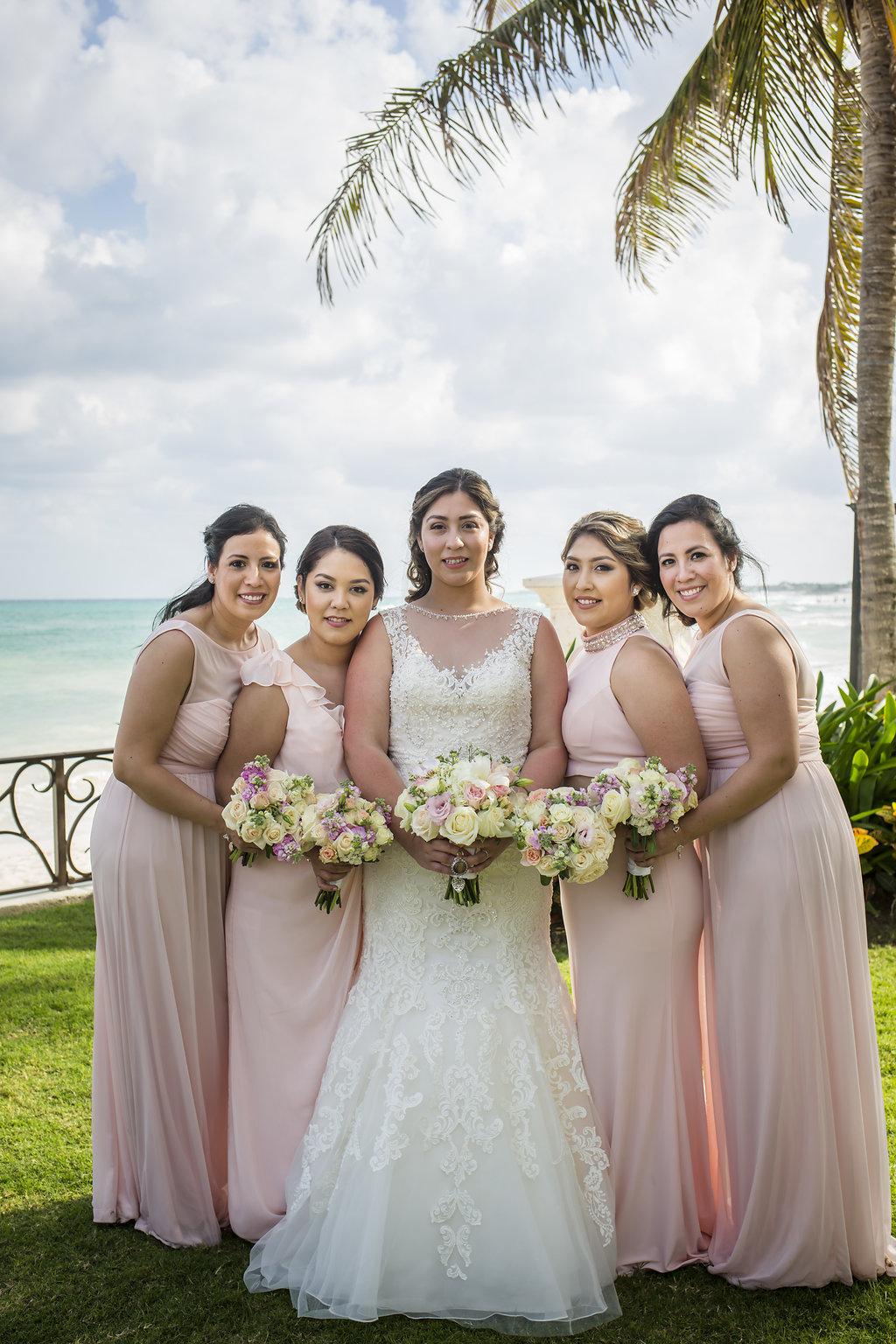 yesica-jose-beach-wedding-Villa-La-Joya--Playa-del-carmen-01--15.jpg
