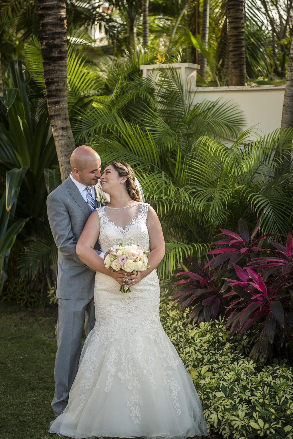 yesica-jose-beach-wedding-Villa-La-Joya--Playa-del-carmen-01--19.jpg